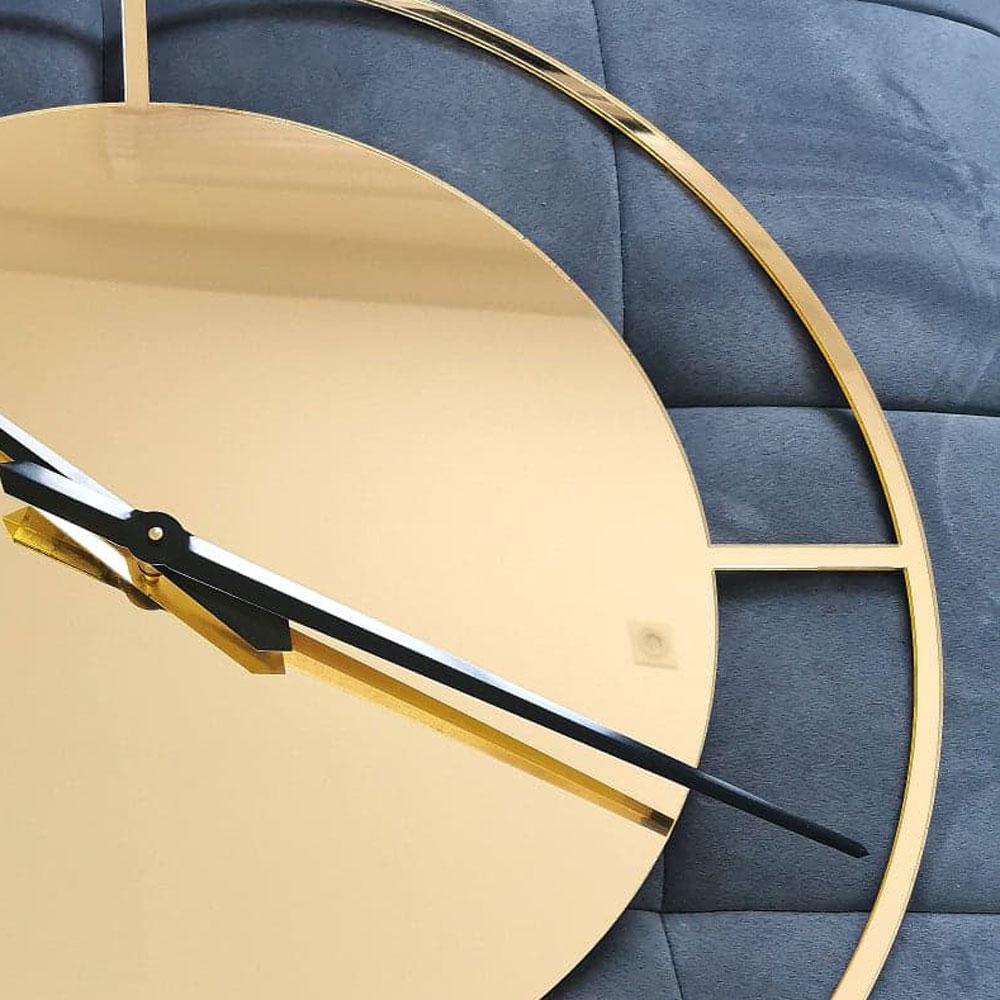 złoty zegar luksusowy